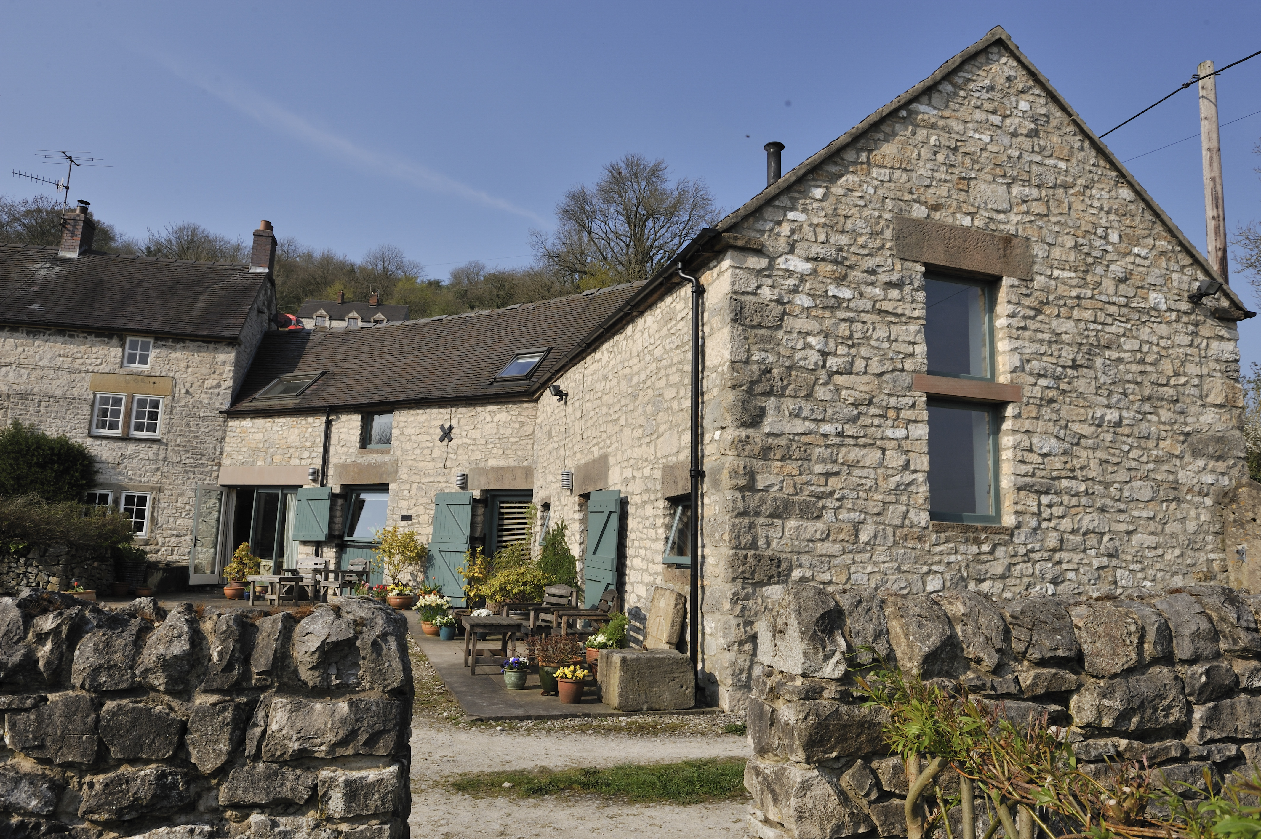 bakewell self the in district peak cottages friendly dog catering img glorious